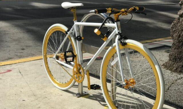 Mit dem passenden Fahrradständer Wand einen Parkplatz für Fahrräder anbieten