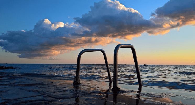 Ferienhaus Kroatien direkt am Meer mit Pool